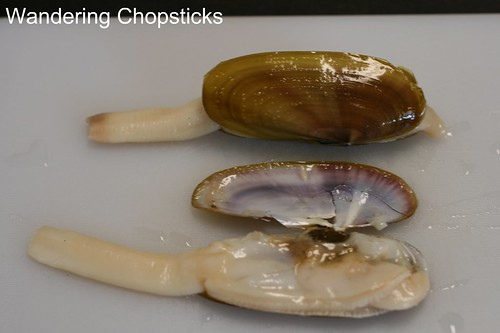 How to Prepare Geoduck and Razor Clams 2
