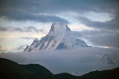 Annapurna foothills 2010 (perfil) Tags: nepal mountains trekking trek peak hills himalaya pokhara annapurna anapurna fishtail dhaulagiri ghandruk ghorepani gorepani ghandrung gorapani machapuchhare माछापुछ्रे