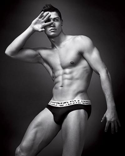 Cristiano Ronaldo Armani (2)