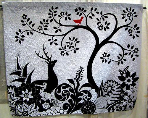 DSC02795 Black & White deer with red bird quilt