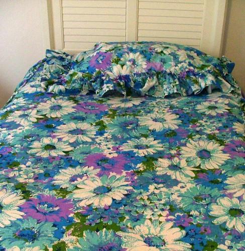 Vintage 1960s/1970s Floral Bedspread