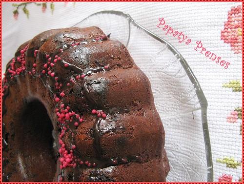 vişne reçelli kek