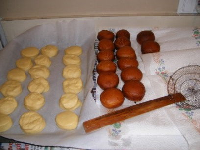 Frying Paczki in Batches