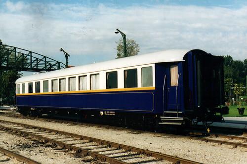 Train Chartering - Hungarian former presidential rail car, exterior