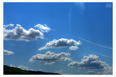Clouds 'n Blue (fs999) Tags: blue sky cloud pentax wolke bleu ciel nuage aficionados artcafe alignements vob masterphotos dastar k20d vuedenbas ashotadayorso macrolife justpentax pentaxk20d topqualityimage flickrlovers da55 topqualityimageonly fs999 pentaxda55mmf14sdm