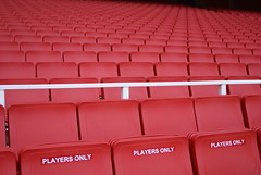 Play the game (the bbp) Tags: uk red england london football chair unitedkingdom soccer londres attendance rosso londra arsenal regnounito calcio inghilterra stadio emiratesstadium pubblico poltrona thebbp colorphotoaward