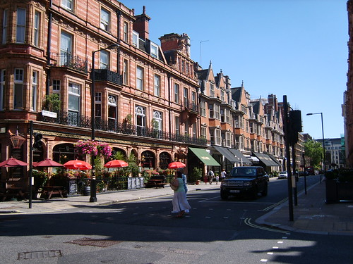 Audley Pub in Mount Street