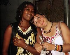 Um ano atrs. Saudade de um mundo melhor. (__ Pepe [sulla cattiva strada]) Tags: friendship beatles amizade lina amicizia viaggio fede moambique anniversario mozambico sorelle unanno lizhajames