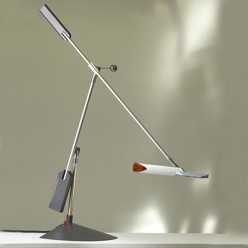 halley lamp designed by richard sapper, by lucesco
