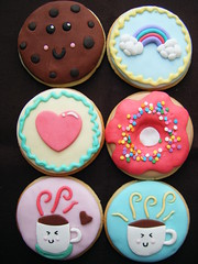 Cookies :) ( gabby cupcakes by Gabriela Cacheux) Tags: art coffee cookies design retro kawaii vanilla teaparty fondant royalicing gabbycupcakes