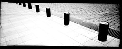 Lmites (jbilohaku) Tags: street blackandwhite bw blancoynegro film mxico 35mm calle lomo mexicocity df bn drain sewer distritofederal alcantarilla coladera cloaca pelcula ciudaddemxico strato 2way meksikurbo filmisnotdead redcamera blankakajnigra 2wayvista kloako