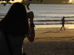 I collect light* (steph_ie) Tags: praia nascerdosol fotografando icollectlight stephaniebastos