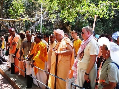 H H Jayapataka Swami in Tirupati 2006 - 0033 por ISKCON desire  tree.