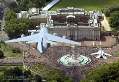 C17 and Tornado Fly Over Buckingham Palace (Defence Images) Tags: london unitedkingdom military landmark buckinghampalace british c17 globemaster tornado defense crowds defence nimrod airdisplay queensbirthday flypast