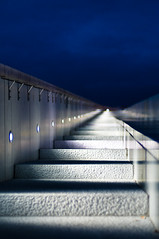(John Erik) Tags: blue red sky oslo norway architecture night stairs lights spring nikon opera purple bokeh perspective may nikkor trapper arkitektur d300 operahuset operaen 50mmf14af bjrvika oslooperahouse flickrgolfclub