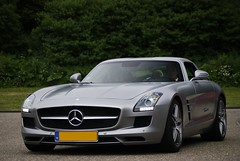 SLS AMG (Raoul Automotive Photography) Tags: auto wedding light holland netherlands car wheel matt germany grey star mercedes benz couple driving sam sony tripod nederland made mat german mercedesbenz finish driver mm 1855 alpha dslr 50 rim mb v8 hama dt circular zwolle sls amg 61 merc pl 55200 kenko a230 wideband a230l