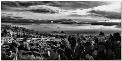 Panoramica di  Acitrezza ed Acicastello in bianco e nero (Andrea Rapisarda) Tags: sea bw geotagged rocks mare panoramic panoramica sicilia biancoenero acitrezza siciliy acicastello olympuse510 andrearapisarda lesamisdupetitprince geo:lat=37555975 geo:lon=1514092