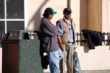 10waiting-laborers-3.jpg