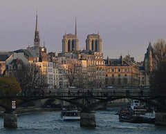 Paris, Ile de la Cit, Notre-Dame bb33fr (BB33FR) Tags: friends sunset paris france beautiful seine nice cit notredame 1001nights soe notredamedeparis saintechapelle bateaumouche cite iledelacit ledelacit seineriver golddragon abigfave top20travel theperfectphotographer lesamisdupetitprince bb33fr novavitanewlife flickaward artistictreasurechest francesmasterpieces yourwonderland
