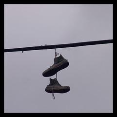 Θυσία στο θεό των παπουτσιών - Sacrifice to the shoe God