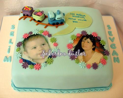 Bu pastayı 1 yaşına giren selim ile teyzesinin aynı guen kutlanan