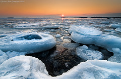 Sea of ice (Rob Orthen) Tags: winter sunset sea sky ice suomi finland landscape helsinki nikon europe sundown scenic rob tokina scandinavia