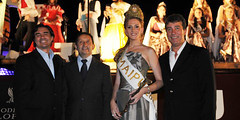 Las reinas cautivaron en la noche de Bodegas López