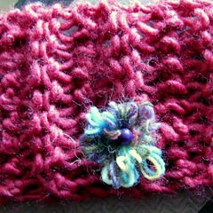 closeup (overthemoon) Tags: pink flowers beads knitting schachenmayr ravelry fantasyflower nomotto coatscrafts