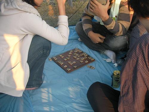 テントの中で将棋大会