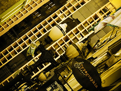 Rua XV de novembro... (kassá) Tags: city brazil people urban brasil fantastic pessoas photographer saopaulo gente sãopaulo capital santos metropolis urbano brasileiro urbanscenes paulista sentiments diamant poésie ensaiofotográfico urbanscenery cenaurbana paulistano paulicéia jornadafotográfica fineartphotos saídafotográfica émotions anawesomeshot excellentphotographerawards flickrbr goldstaraward espirits cityofsaopaulo passadoepresente kassá desafiofotográfico