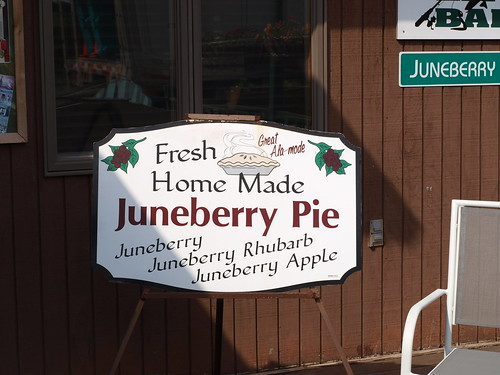 Lunds Landing Pie sign