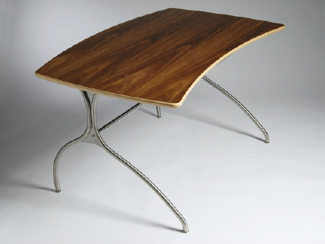 Knú Desk #4