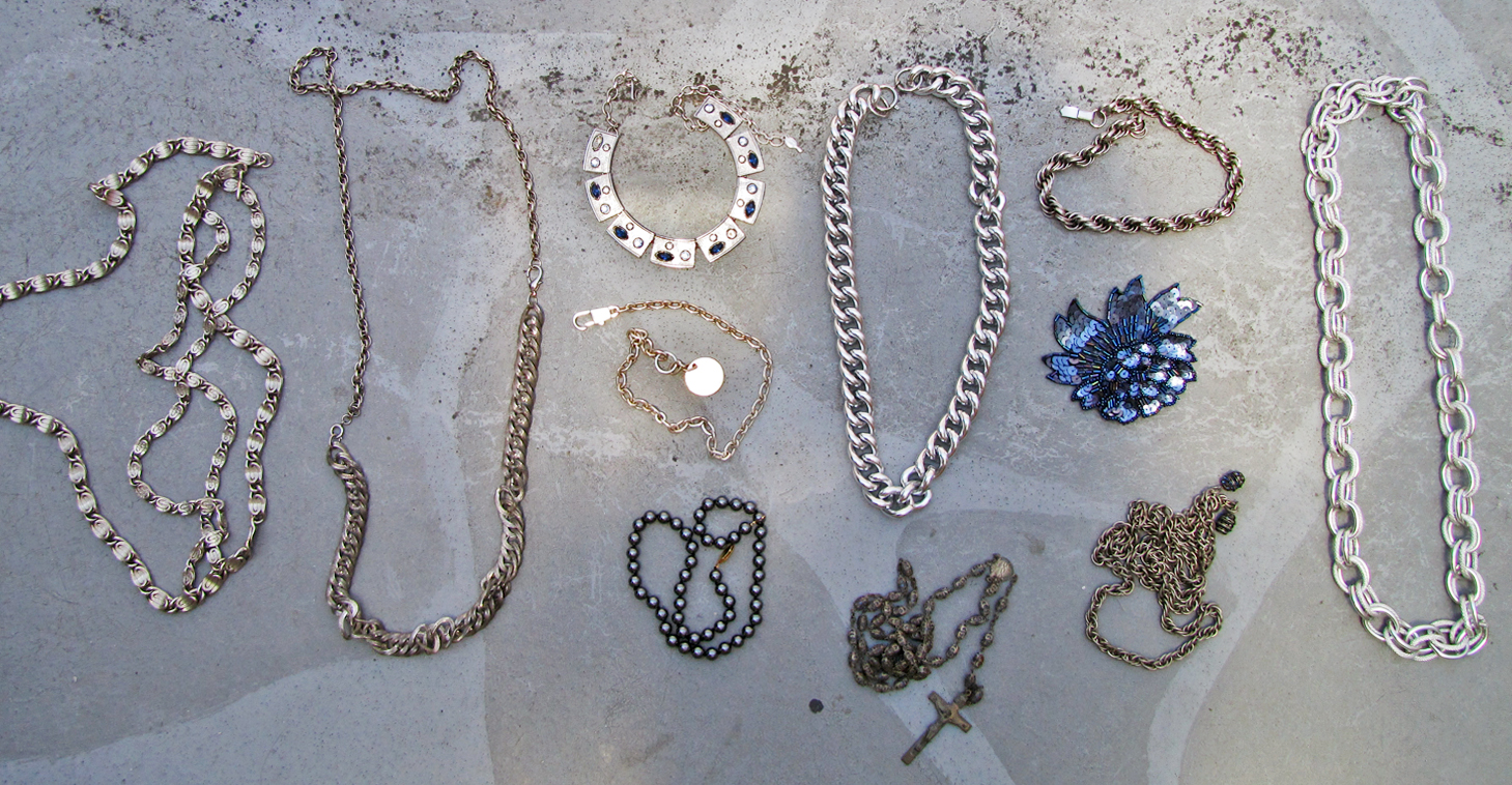 silver-layered-chain-necklaces-blue-gucci-vintage