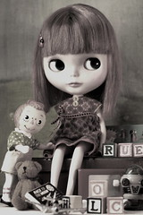 WAW/Music and Blythe/23/52/Playmate