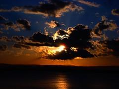 Nichibotsu (tramonto) (Ai in Technicolor) Tags: sunset sky cloud tramonto nuvole mare cielo sole orizzonte concordians