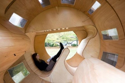 University of Karlsruhe designs an experimental housing, the 'Roll It'
