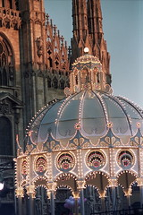 Luci In Piazza Duomo (Luca +10) Tags: italy milan lights luca italia milano optical taglio luci piazza duomo fotografico flickrbronzeaward luca10 sottoilcielodimilano lightplease
