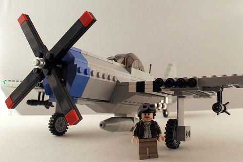 LEGO P-47 Thunderbolt - 3/4 front view w/pilot