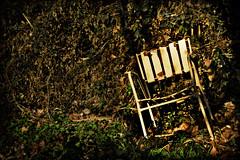 cansada de esperar (ENBOR) Tags: abandoned photoshop ps silla decayed abandono abandonado abandonada cadira a3b tff1