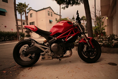 Does this exhaust on a Ducati Monster 696 make it look like a