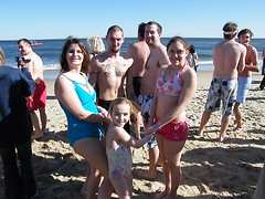 Polar bear plunge crew - '09 (dm|ze) Tags: family winter people beach gathering fujifilm personpeople lewespolarbearplunge fujifilms8100fd