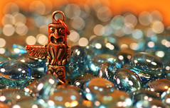 Lost in Bokeh Forest?  ...  That way  !! (Skizha) Tags: blue macro canon key bokeh indian totem pole chain explore explored macrolove bokehlicious hbweve ehbd hbwe happybokehwednesdayeve