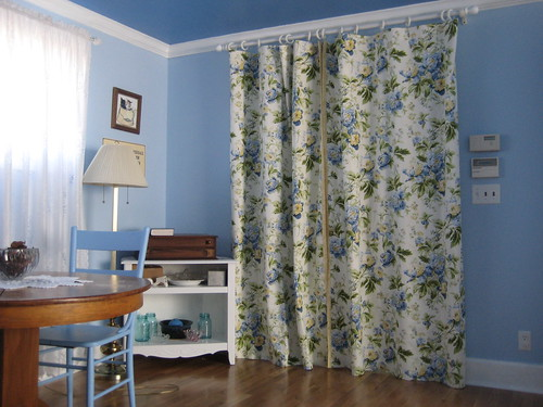 guest room door drapes