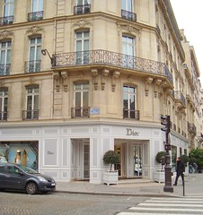 Christian Dior (DolceDanielle) Tags: plaza paris france shop shopping hotel store champs elyses m christian avenue saab elysees dior elie montaigne dassault rondpoint athenee athne