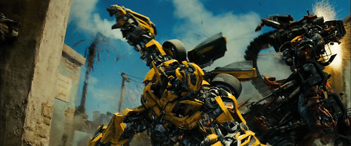 Transformers 2 Bumblebee pelea contra Rampage