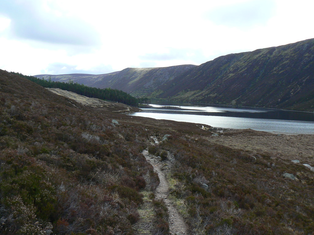 Descending to Loch Muick