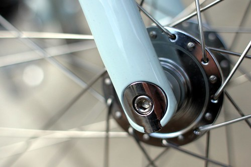 Roll - fork & hub detail