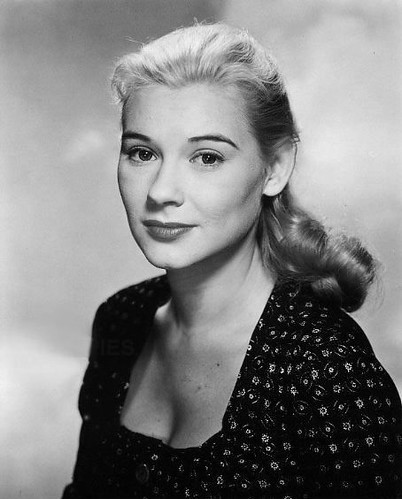 Classic actress Hope Lange photo
