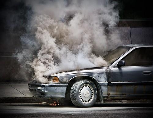 フリー画像| ニュース系| 火事/火災| 自動車| カナダ風景| 煙/スモーク|      フリー素材|