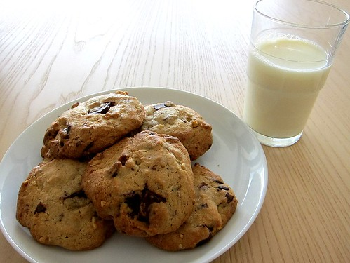 cookies med chokolade og hasselnødder